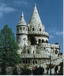 010_BFB_where_wall_Buda_Castle_used_to stand_in_Middle_Ages