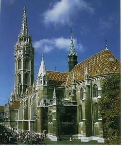 004_Budapest_Matthias_Church_on Holy_Trinity_Square
