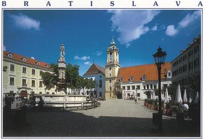 16_Bratislava_The_Main_Square