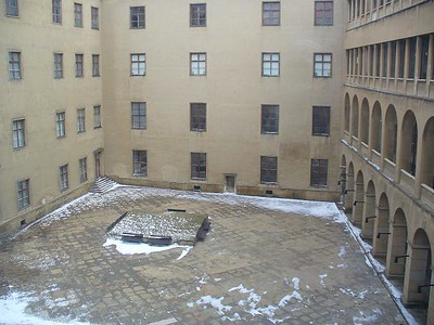 08_Bratislava_Le_Chateau_La_Cour_interieure