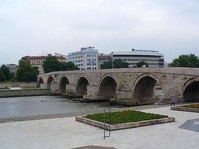 008_Skopje_Stone_Bridge_Kamen_Most_15th_Century