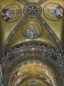 039_Osios_Loukas_Monastery_Church_Interior