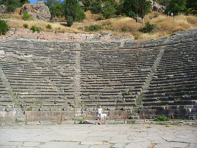 015_Delphi_The_Theater_as_beautiful_as_Epidaurus_Sandou