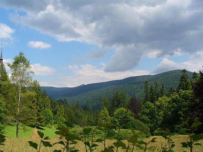 030_Sinaia_The_narrow_Prahova_Valley