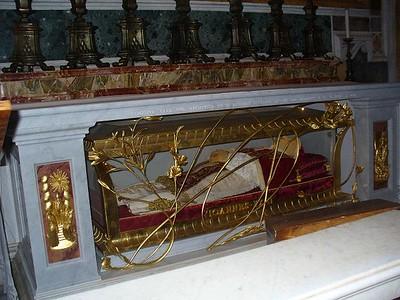 030_Vatican_Basilica_San_Pietro_Monument_Funeraire