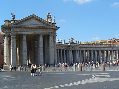 011_Vatican_Piazza_San_Pietro_The_West_elliptical_colonnade