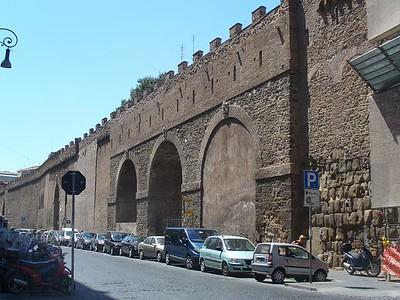 032_Vatican_Le_Pont_qui_mene_au_Chateau_Saint_Ange