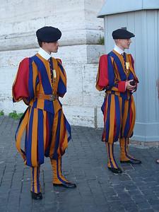 031_Gardes_Suisses_Habilles_uniforme_dessine_par_Michelangelo