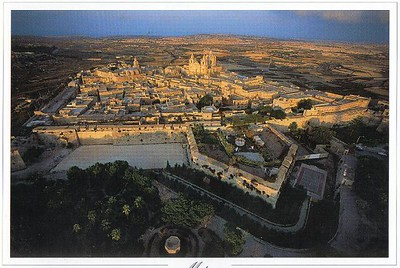 043_Mdina_and_his_extensive_Bastions