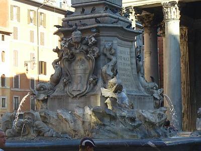 0018_Roma_La_Fontaine_devant_le_Pantheon