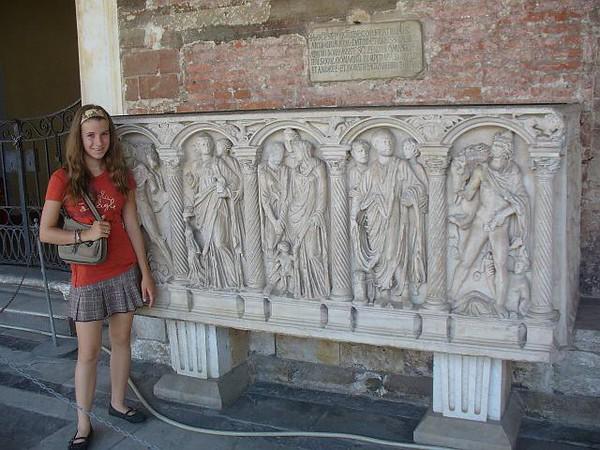 0807_Tuscany_Pisa_Camposanto_Tomb_Sandou