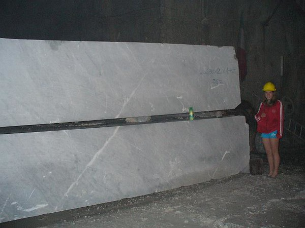 0793_Carrara_35_Tonnes_each_Block