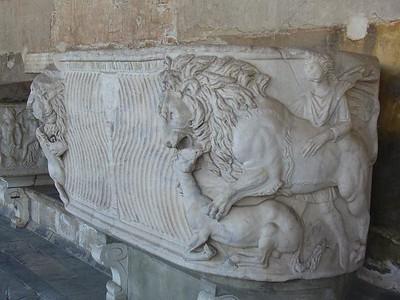 0805_Tuscany_Pisa_Camposanto_Tomb