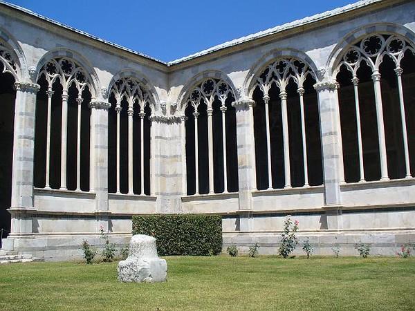 0802_Tuscany_Pisa_Camposanto_Gothic_Arches