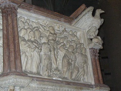 0817_Baptistery_Pulpit_Gothic_by_Pisano_Evoque_the_Christ_Life
