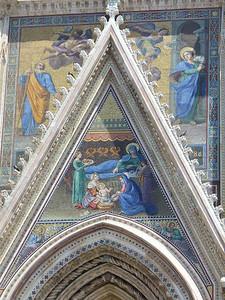 0519_Umbria_Orvieto_Cathedral_facade