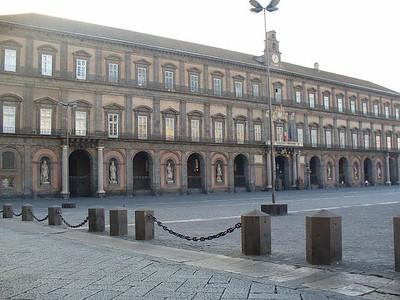 0311_Napoli_Piazza_del_Plebiscito_Palazzo_Reale_17th_century
