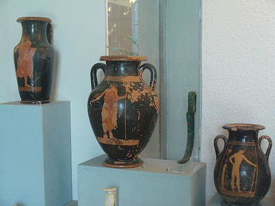 0338_Paestum_Museum_Vases_Grecques_6th_BC