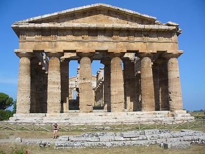 0322_Tempio_di_Nettuno_Dorique_450_BC_36_Doric_columns