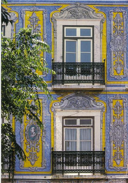 022_Lisboa_Azulejos_Facade_17th_C