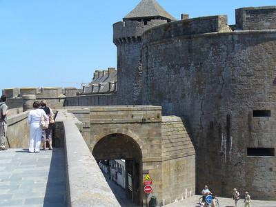 17_Saint_Malo_Les_remparts_12s