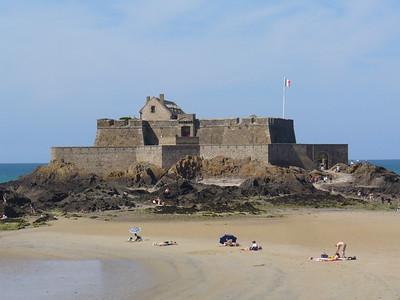 12_Saint_Malo_Le_Fort_National_par_Vauban_1689