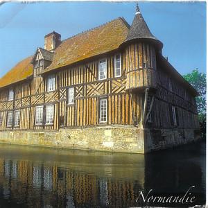 007_Normandie_Chaumiere_typique