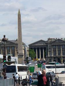 037_La_Place_de_la_Concorde_l_Obelisque_et_Sainte_Madeleine