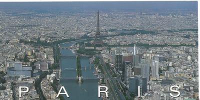 002_La_Seine_et_ses_ponts_Au_centre_la_Tour_Eiffel