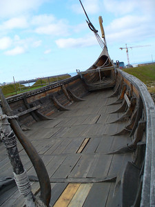 020_SWI_Reykjanes_The_Viking_Ship_Icelander_Crew_of_70