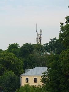 015_Kiev_Pechersk_Lavra_and_Rodina_Mat_statue
