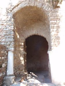 013_Alcazaba  Puerta de las Columnas  Roman columns and beams