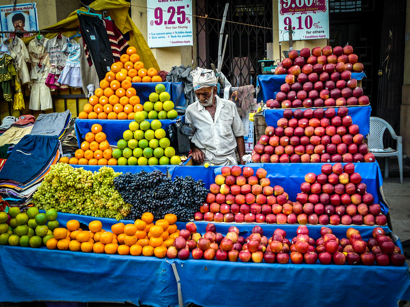 A Man and His Fruit, Chennai, India