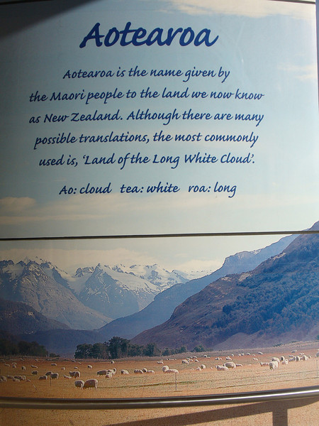 009_Auckland Airport  Aotearoa, in Maori language,  The land of the Long White Cloud