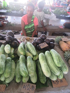 143_Madang  Town Market  Cucumber  1 for 2 Kunas ($0 90CND)