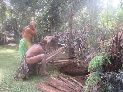 343_Koglni Village  Melpa (local tribe) Haus Krai (child funeral)