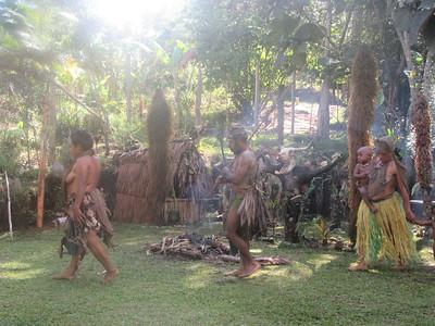 340_Koglni Village  Melpa (local tribe) Haus Krai (child funeral)