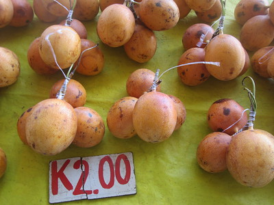 153_Madang  Town Market  Passion Fruit  Sugar fruit  4 for 2 Kunas ($0 90CND)