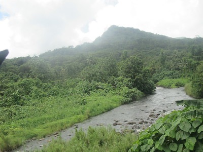 020_Pohnpei  Lust vegetation  68 rivers and streams  300 inches of rain a year  Lots of freswater  Good for fruits and vegetables