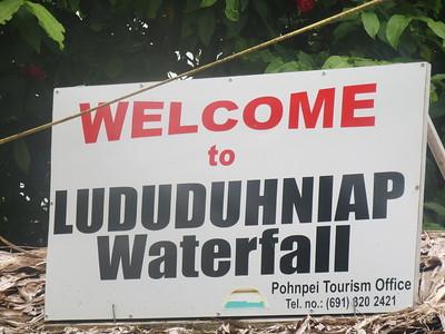 023_Pohnpei  Lududuhniap Waterfall