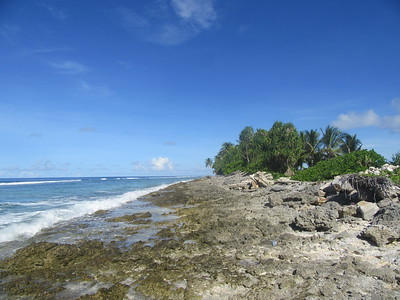 040_Funafuti  Tuvalu is also affected by perigian spring tide events that raise the sea level higher than a normal high tide