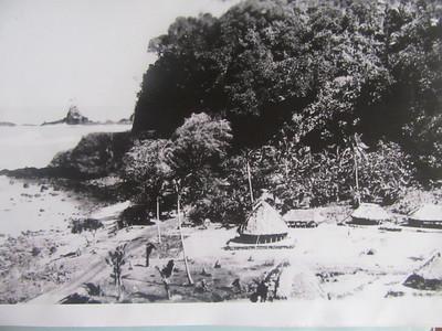 015_Samoa Islands  Fale (round house)