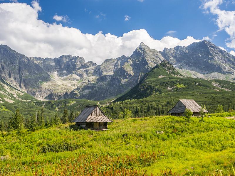 Cabins in the Tatra Mountains, Polan