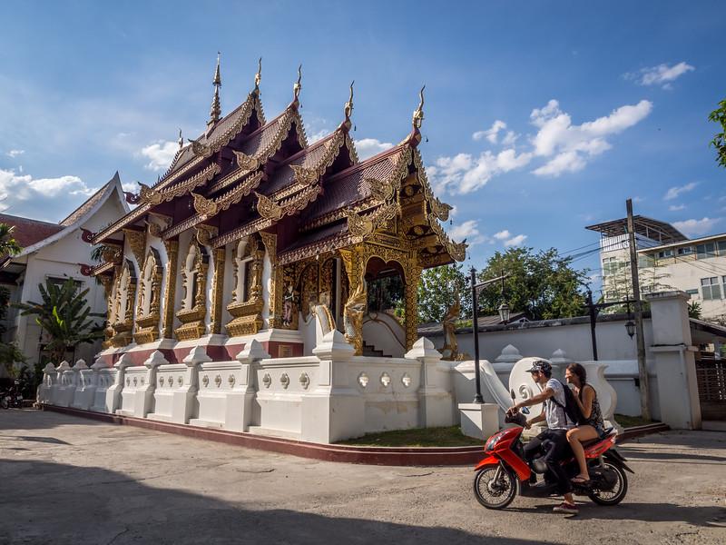 Passing by Wat Hua Khwang, Chiang Mai, Thailand