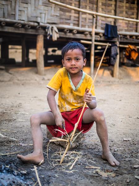 Boy with Bamboo, Ban Long Yuak