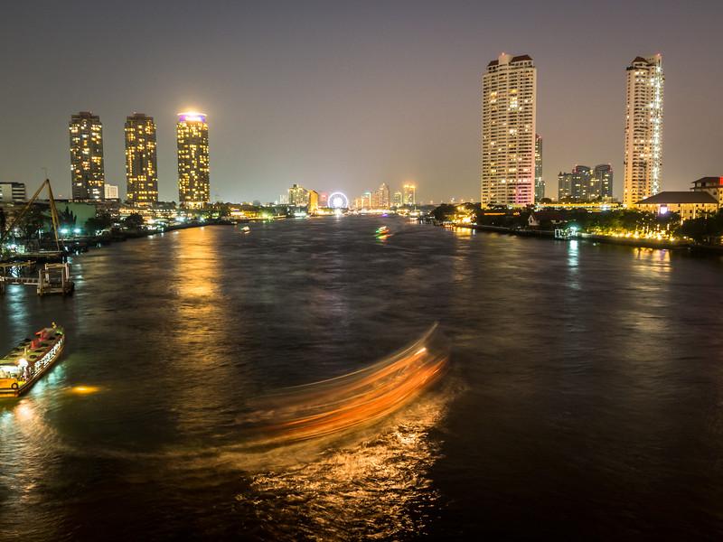 Turning on the River, Bangkok, Thailand