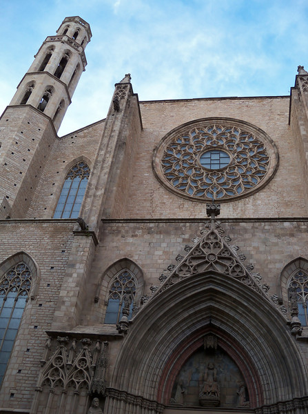 Church of Santa Maria del Mar.  Built in 55 years by shippers
