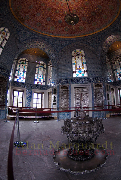 A room fit for a Sultan to relax in. Topkapi Palace, Istanbul, Turkey.