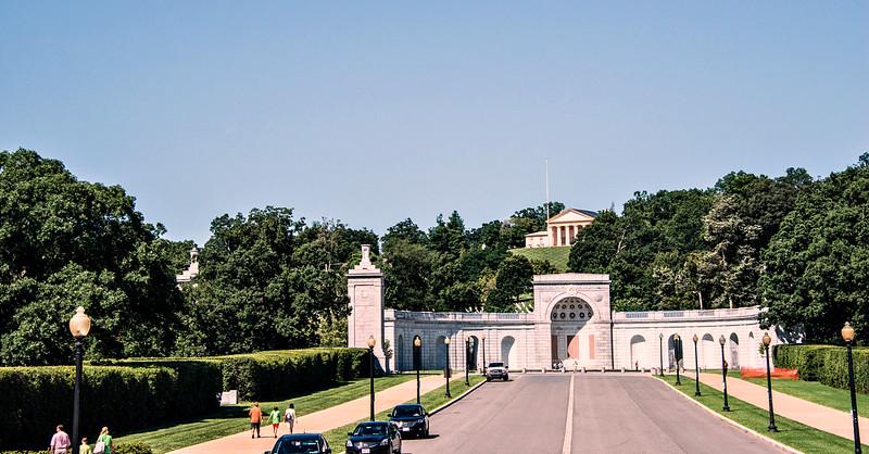 Arlington Memorial Bridge, Robert E Lee's House