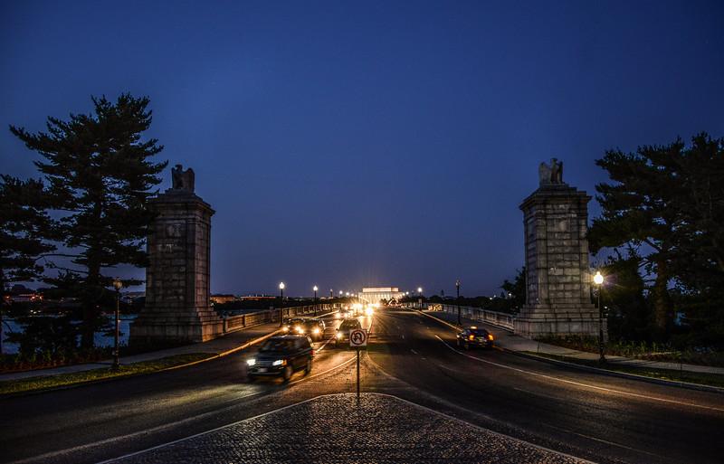 Arlington Memorial Bridge, Lincoln Memorial